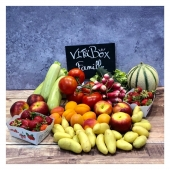 Les VitaBox sont 100% Françaises et changent toutes les semaines 🤓🇫🇷 !  Découvrez-les tous les samedi !  —- #fruitetlegume #livraisonadomicile #panierdefruitsetlégumes #vegan #healthyfood #healthy #food #saison #summertime #nicefrance #nicecotedazur #cagnessurmer #mangersainement #veggiefood #veggie #primeur #veganlove #veganlife #fruitsbasket #localfood