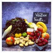 VitaBox de la semaine 🍓🥬🍎 100% Française 🇫🇷 —- #panierdefruitsetlégumes #fruitetlegume #veggie #livraisonadomicile #livraisondefruitsetlégumes #cagnessurmer #saintlaurentduvar #nicefrance #nicecotedazur #nice06 #healthyfood #healthylifestyle #healthyrecipes #veganlife #veganfood #yummyfood #yummy #local #bio #saison #fraise #zeropesticides #primeur #summer #summervibes