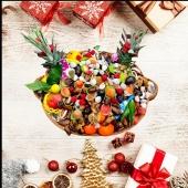 Panier de Noël 🎄🎁🎊 Oubliez les chocolats ... Dites-le avec les fruits 🍎🍊🍇🥝 Découvrez nos offres sur www.vitafruits.fr  ——- #noel #panierdenoel #cadeau #cadeaunoel #entrepreneur #entreprise #work #fete #findannee #cadeauxvitaminés #fruitezvouslavie #happyfruit #fruitlover #fruits #cadeaudefindannee #cadeaupersonnalise #cadeauentreprise #healthyfood #healthylifestyle #healthy #vegan #yummy #yummyfood #nicefrance #nice06 #nicecotedazur #cagnessurmer