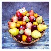 Pause fruitée au bureau 🍎💻🤓 —- #fruitezvouslavie #qvt #panierdefruits #fruit #fruitlovers #mangersain #yummy #happyfruit